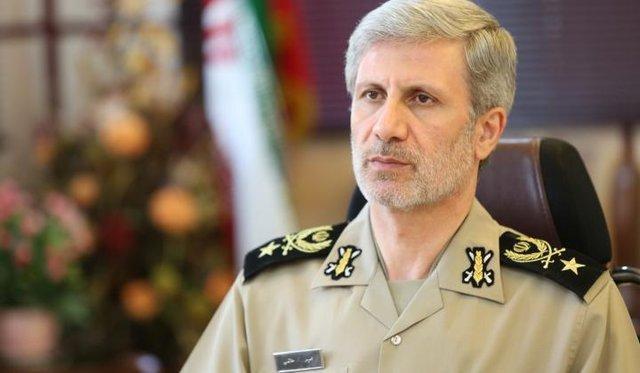 تماس تلفنی وزیر دفاع ایران با وزیر کشور و رئیس ستاد ارتش عراق