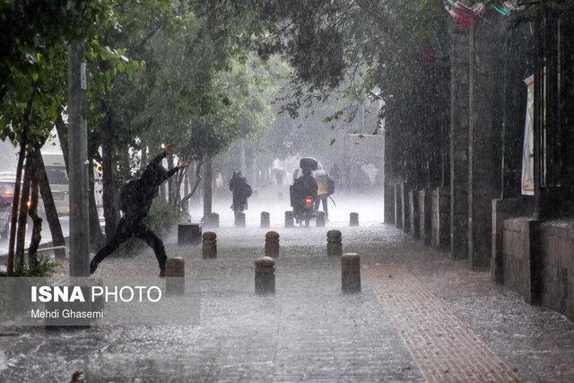 بارش شدید باران در غرب کشور