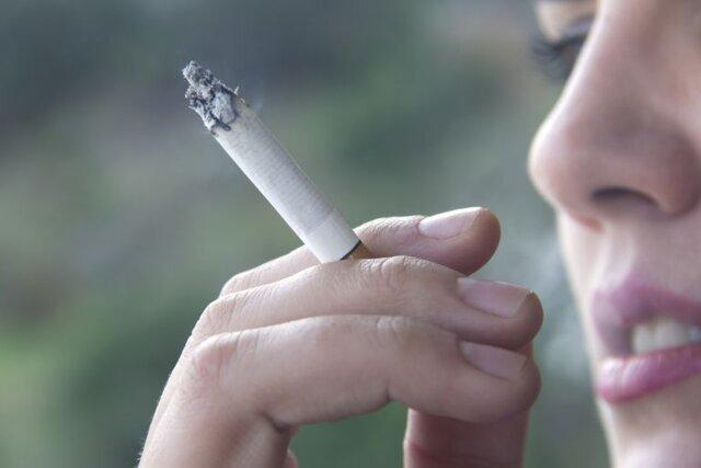 چرا ترک سیگار در زنان سخت تر است؟