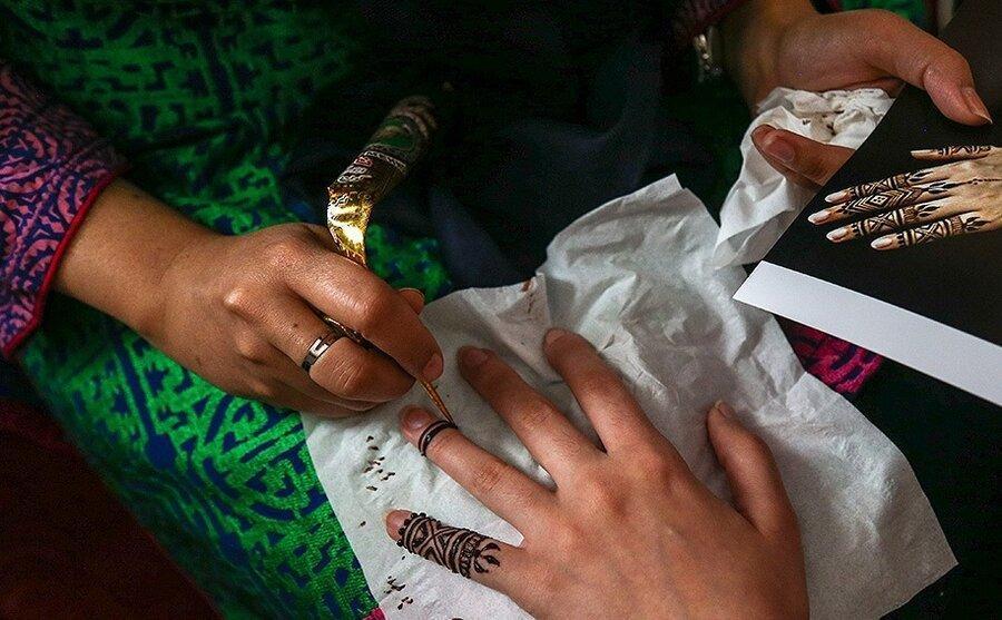 تصاویر همسر محمدجواد ظریف در جشنواره صنایع دستی