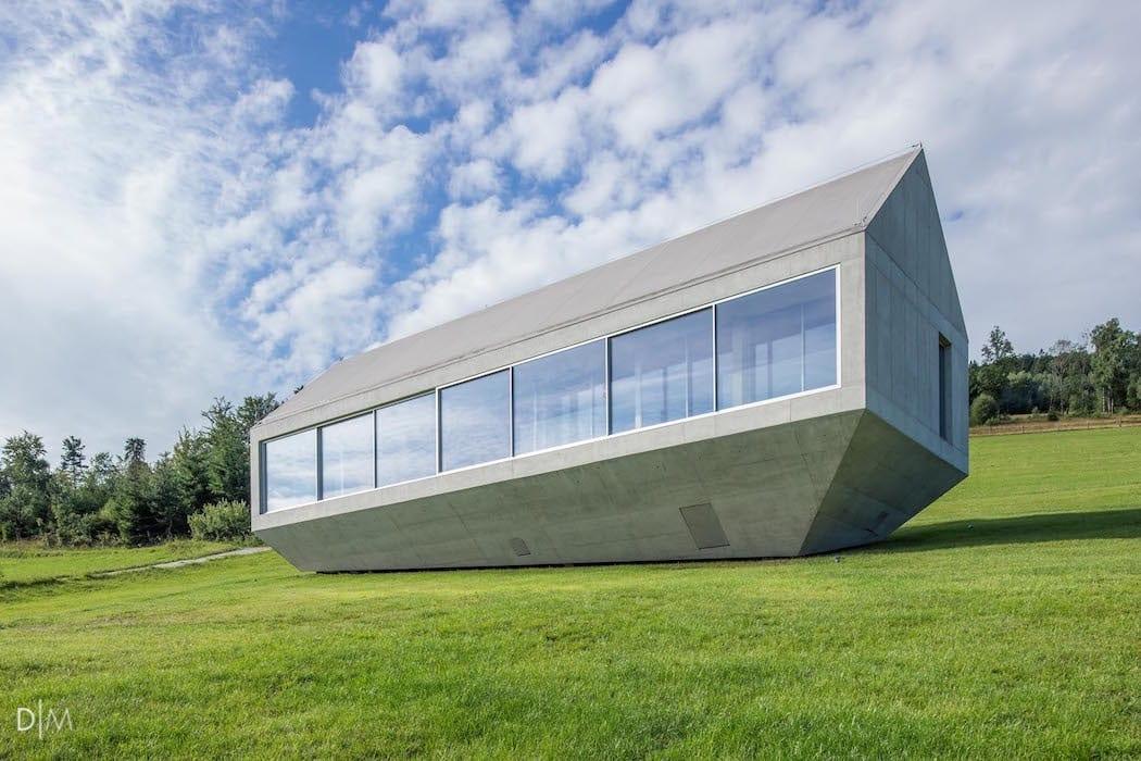 طراحی خانه ای معلق در دامنه کوه در جنوب لهستان