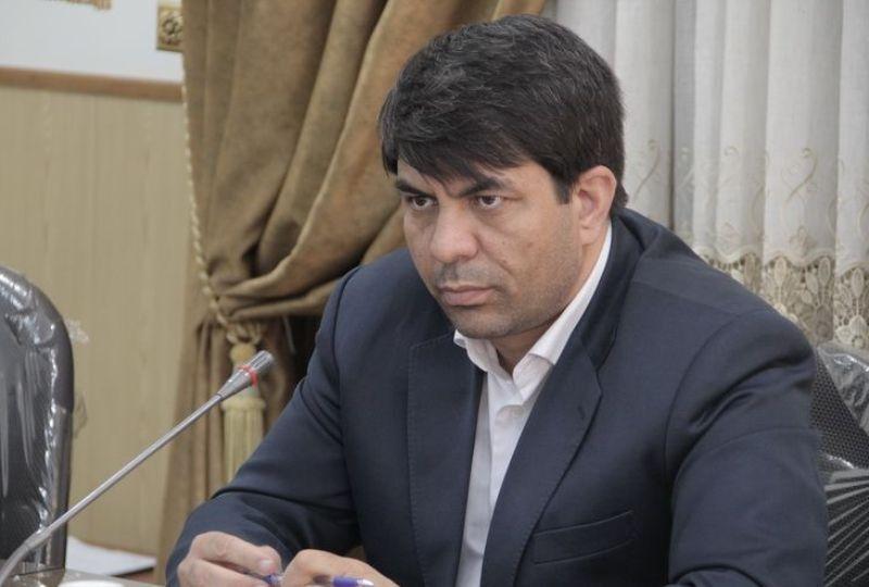 خبرنگاران استاندار یزد: در خانه بمانید