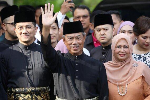 نخست وزیر جدید مالزی در بحبوحه چالش های اقتصادی زمام امور را به دست گرفت