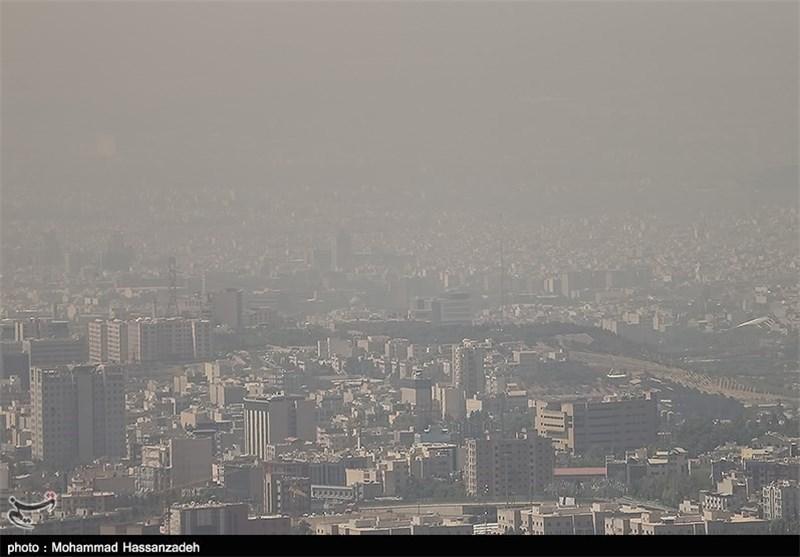 انتقاد از اقدامات صرفاً برای برخورد با آلودگی هوا، فعالیت کارخانه ذوب چدن در وسط منطقه مسکونی