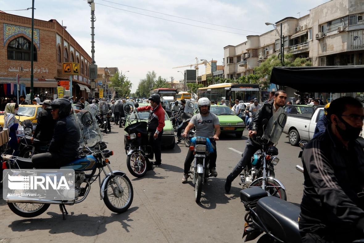 خبرنگاران ویراژ موتورسوران در شهر دوچرخه ها