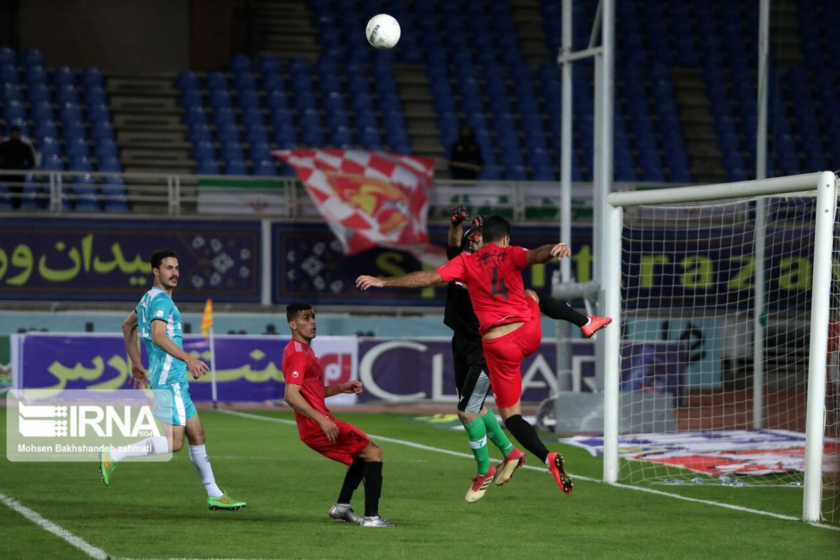 خبرنگاران دستورالعمل برگزاری مسابقات لیگ برتر فوتبال به باشگاه ها ابلاغ شد