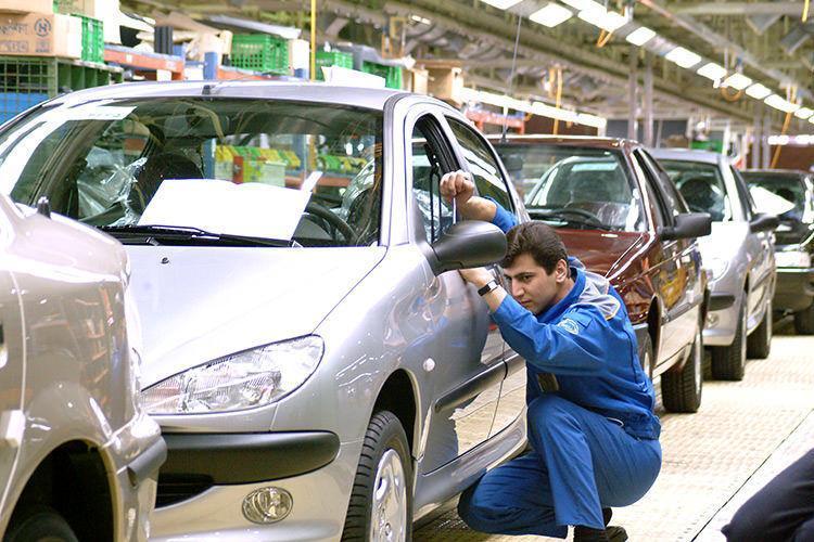 آخرین تحولات بازار خودروی تهران؛ پژو 206 تیپ پنج 170 میلیون تومان
