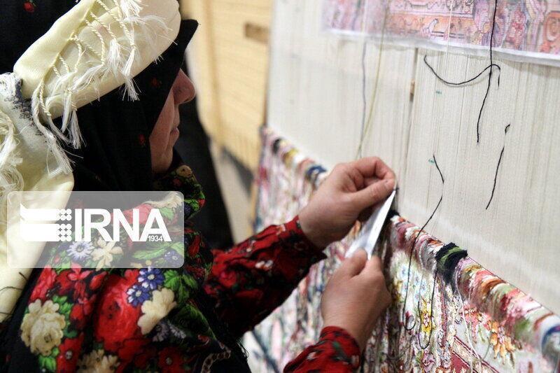 خبرنگاران 220 نفر در اردبیل از آموزش های صنایع دستی بهره مند شدند