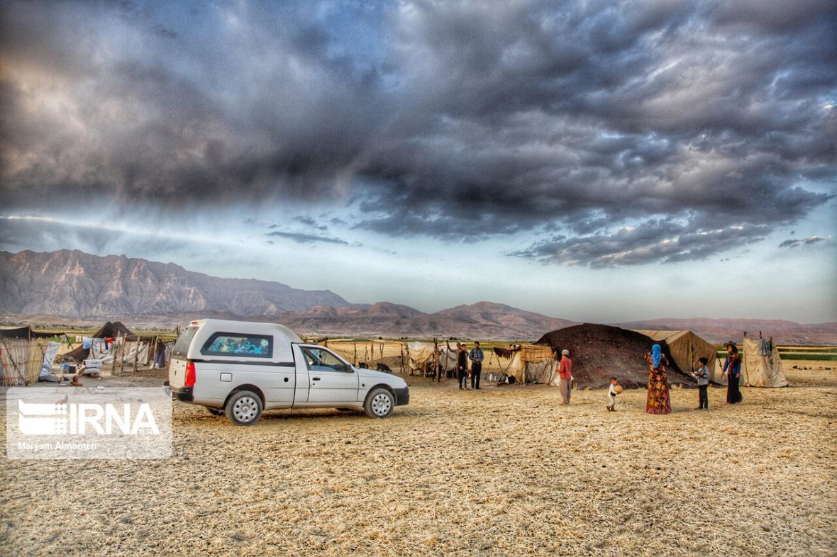 خبرنگاران کالاهای اساسی مورد نیاز اهالی دهستان موگویی کوهرنگ ذخیره سازی شد