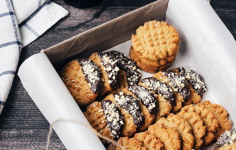 طرز تهیه کوکی بادام زمینی با طعمی متفاوت