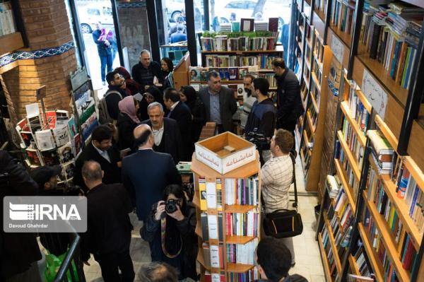 خبرنگاران کتابفروشان در جدال با کرونا به حمایت دولتی و مردمی احتیاج دارند