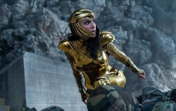 10 حفره داستانی بزرگ در فیلم های دنیای توسعه یافته دی سی