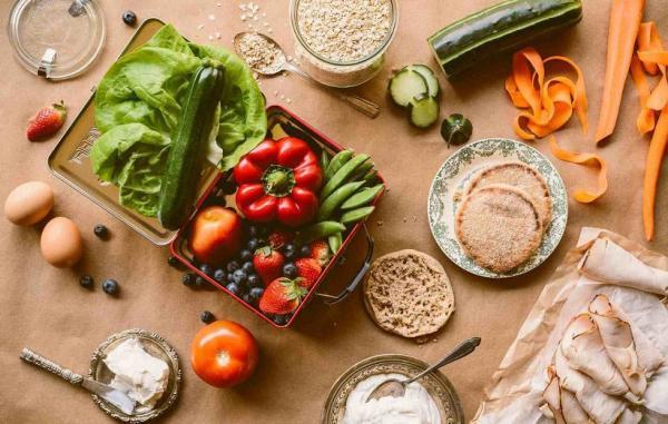 22 ماده غذایی که خطر ابتلا به سرطان را کاهش می دهند