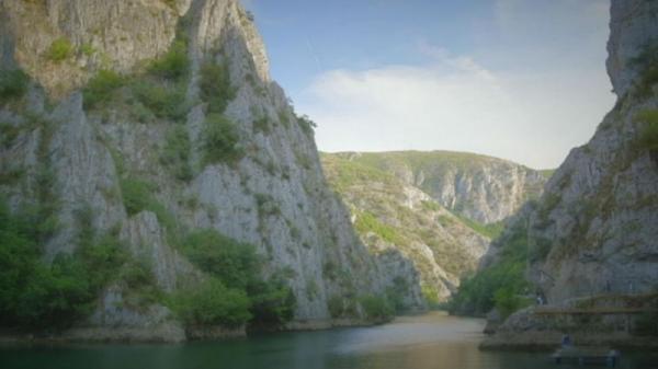 کارت پستال از مقدونیه؛ منظره ها خیره کننده دره های ماتکا